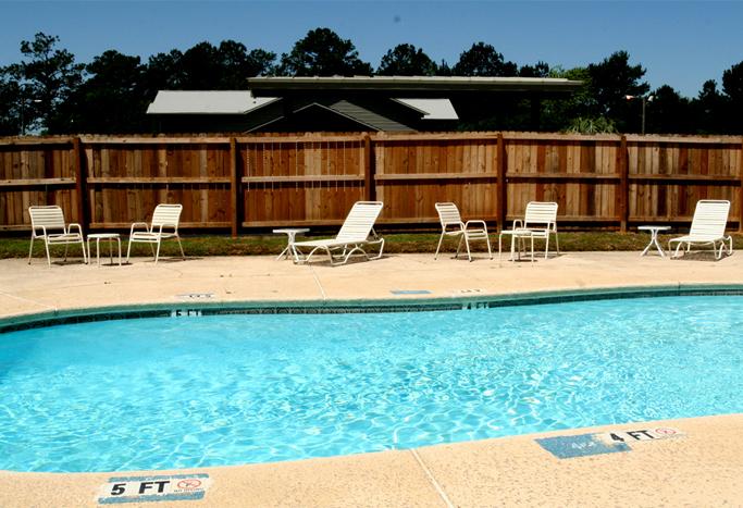 Daybreak Suites in Dothan Alabama Pool